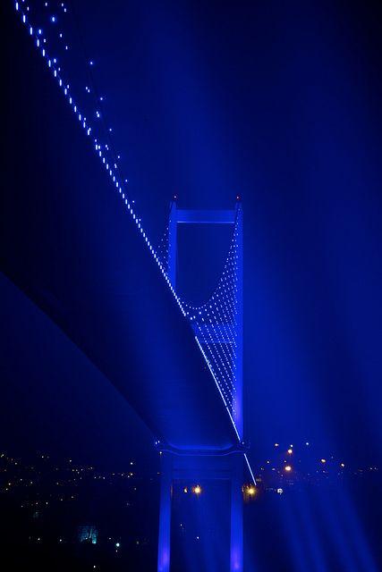 Bridge superstar ** by Bernardo Ricci Armani Bosphorus Bridge Istanbul, Turkey Im Blue, Deep Blue, Blue And White, Image Bleu, Blue Aesthetic Dark, Azul Anil, Bosphorus Bridge, Magic Places, Everything Is Blue