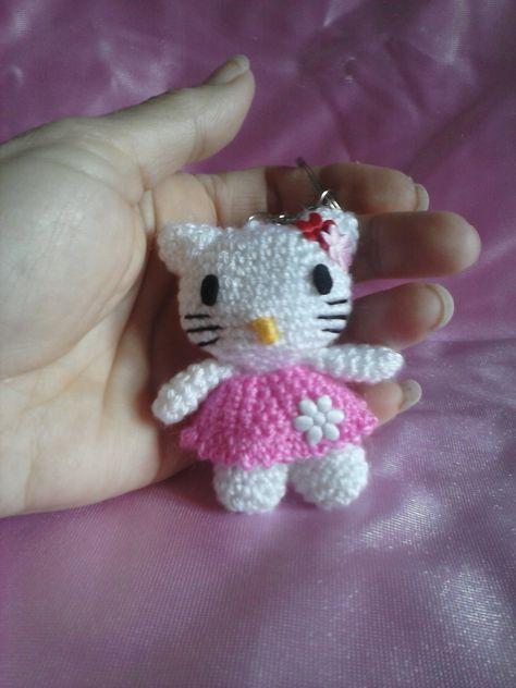 Llavero Hello Kitty Amigurumi Crochet – Bazarama | 632x474
