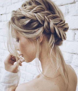 Von Romantisch Bis Rockig Tolle Flechtfrisuren Fur Lange Haare Geflochtene Frisuren Flechtfrisuren Brautfrisur