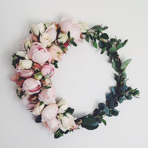 a peony wreath we can get behind