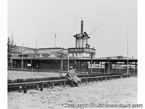 FlughafenBerlinTempelhof1937, Platz der Luftbrücke, 12101 Berlin - Tempelhof (1937)