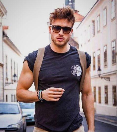 Simple t-shirt, Big Sunglasses and Bracelet Accessories.