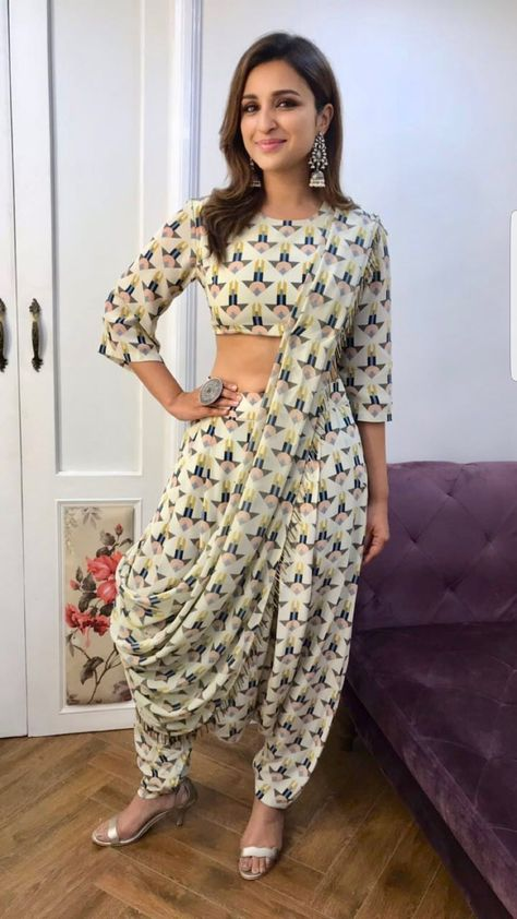 Share, rate and discuss pictures of Parineeti Chopra's feet on wikiFeet - the most comprehensive celebrity feet database to ever have existed.