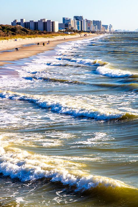 Planning a trip to Myrtle Beach? Great choice! Day or night, there is so much to love along the 1.2-mile shoreline. Check out our blog for 16 fun things to do in Myrtle Beach with kids! (Adults will love them, too!) #MyrtleBeach #MyrtleBeachVacation #FunThingsToDoInMyrtleBeach #SouthCarolina #SouthCarolinaVacation #FamilyTravel #RoadTrips