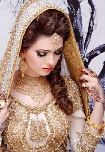 Latest Pakistani Bridal Wedding Hairstyles Trends 2018-2019 Collection