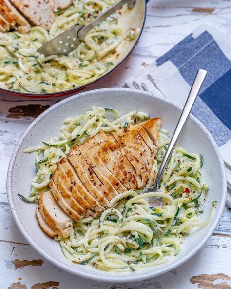 Easy Chicken Alfredo with Zoodles (Clean Eating &...,  #Alfredo #Chicken #Clean #Easy #Eating #Zoodles