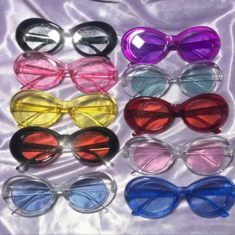 These Itgirl Clothing Glitter Clout Goggles Are Everythingggg Add These To Make The Ultimate 90s And Early Y2k Fashion Eye Glasses Sunglasses Stylish Glasses