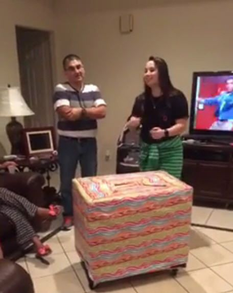 Houston soldier surprises her family and returns home for the holidays