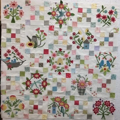 Jelly Beans cute applique /& pieced mini quilt PATTERN PATTERN Bunny Hill