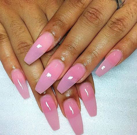 Isatou Ceesay på Instagram: 💅🏽💖 Shades of Pink💖💅🏽. by