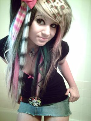 scene hair emo punk is very pretty Braided Hairstyles For School, Hipster Hairstyles, Teenage Hairstyles, Cute Hairstyles, Braid Hairstyles, Long Scene Hairstyles, Teenage Girl Haircuts, Scene Girl Haircuts, Cool Haircuts