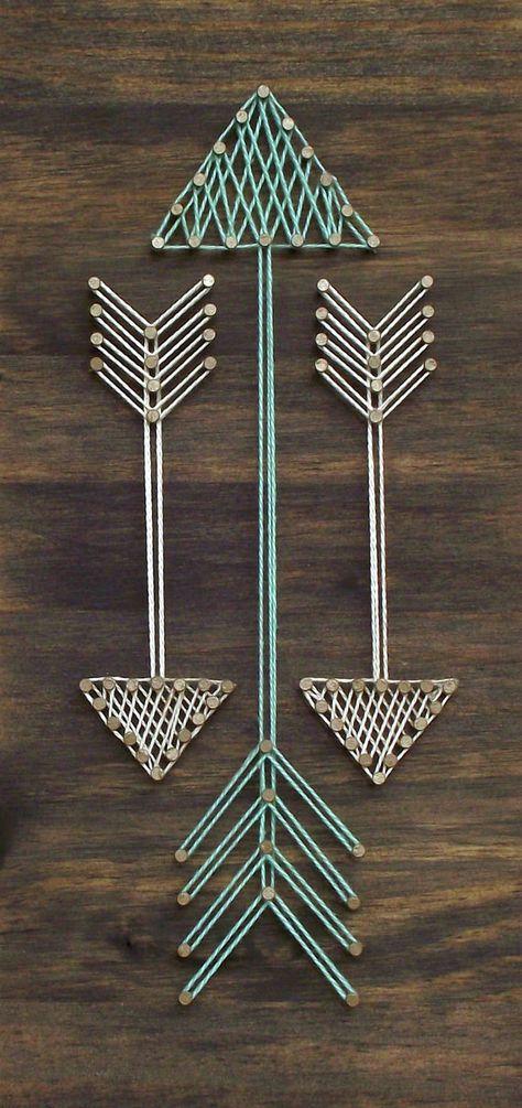 Fait à la main mini panneau en bois avec des fils tendus. Cet article est fait avec la plus haute qualité en bois et fournitures disponibles et à