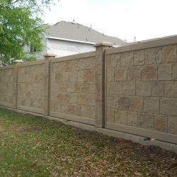 Precast Concrete Fence In Dallas In 2020 Precast Concrete Concrete Fence Concrete Fence Wall