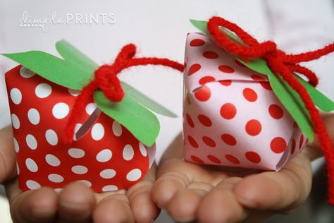 Fill with jellybeans or gumballs, & gift to party guests.
