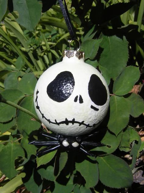 Nightmare Before Christmas hand-painted ornaments diy