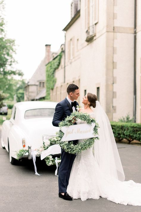 New England Manor Wedding With Champagne And Green Hues Wedding Dress Preservation Neutral Wedding Colors Wedding