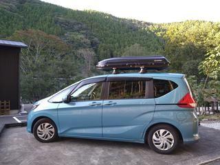 愛車レビュー ホンダ フリードプラス はキャンプにおすすめ 大容量収納 車中泊にも キャンプ 荷物 車 ホンダ