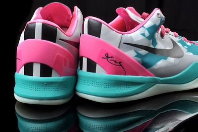 b6564042174e Nike Zoom  Kobe VIII  Women  colorways  grey  red  green  blue  purple   pink color site  us5.5