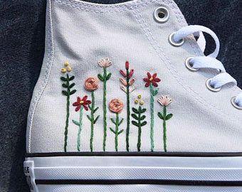 Floral Logo Embroidered Converse | Broderie sur vetement