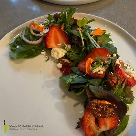Chef Thomas made this scrumptious mixed green salad with strawberries and candied pecans. 😍 😋 Can you share your favorite salad dish? 😊 #food #foodporn #healthy #healthysalad #yummy #delicious #salad #picoftheday #healthydiet