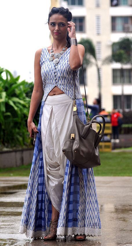 Diy kurta and dhoti pants. Wow this whole outfit is absolutely beautiful. Could do without the bag but otherwise all such beautiful pieces.