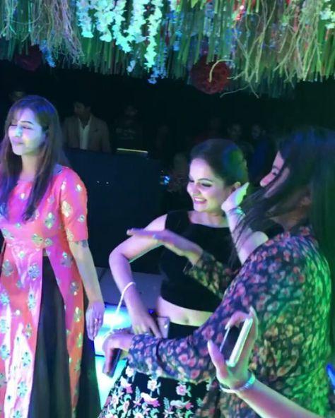 Bigg Boss 11 winner Shilpa Shinde Is Partying After Her Big Win #bollywood #musicallyapp #originalsound #music #musicvideo #saree #traditional #actress #star #beauty #beautiful #pretty #fashion #style #glam #hinakhan #shilpashinde #biggboss11 #bigboss11 #biggboss #bigboss #tvactress #deepikapadukone #dishapatani #priyankachopra #sonamkapoor #anushkasharma #parineetichopra #kareenakapoor #kareenakapoorkhan