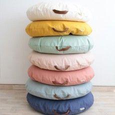 Sitzkissen Jacquard Stone Washed Kilim Altrosa Maison De Vacances Altrosa Decorationforhomereception Jacquard Kilim In 2020 Pouffe Stone Washed Pillows