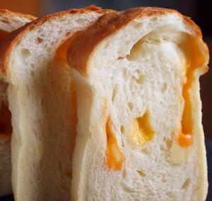 ブレッド ゴーダ チーズ