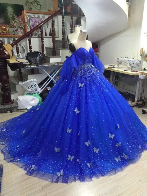 Pretty Quinceanera Dresses, Royal Blue Prom Dresses, Blue Ball Gowns, Pretty Prom Dresses, Quince Dresses, Ball Gown Dresses, Royal Blue Ballgown, Ball Gowns Prom, Sweet 16 Dresses Blue