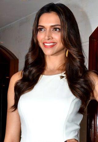 Deepika Padukone Biography Life Story Facts In Hindi Hindi Skill Deepika Padukone Bollywood In 2020 Deepika Padukone Deepika Padukone Height Height