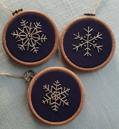 Set of 3 Hand Embroidered Christmas Tree Decorations, Christmas Snowflake Baubles, Contemporary Festive Decorations, Navy Blue & Gold Simple Embroidery, Learn Embroidery, Embroidery Hoop Art, Cross Stitch Embroidery, Christmas Embroidery Patterns, Hand Embroidery Patterns, Snowflake Embroidery, Felt Christmas Ornaments, Christmas Tree Decorations