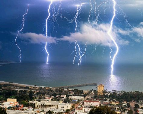 Best Images About Amazing Photos On Pinterest Beautiful - A lightning storm synchronised with dramatic music