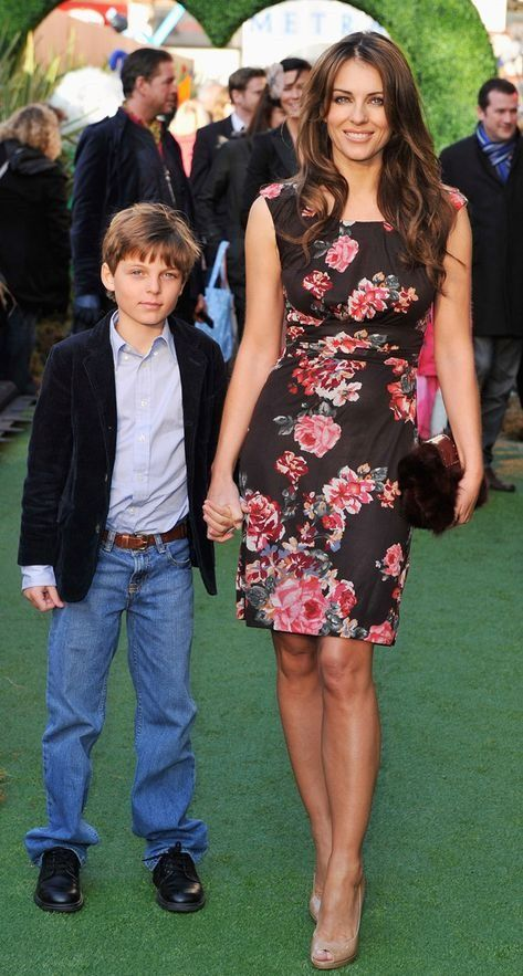 Today On Instagram Elizabeth Hurley S Son Damian Hurley Is Thanking Fans For Their Love And Support Following The Pas In 2020 Damian Hurley Elizabeth Hurley Hurley