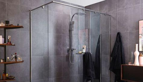 Les douches à l'italienne ont la cote ! Et prennent peu à peu l'avantage sur les cabines fermées dans nos salles de bains. Totalement ou en partie ouvertes, carrelées ou non, rondes, carrées, rectangulaires... Les douches à l'italienne se permettent toutes les fantaisies pour devenir l'atout charme de la salle de bains. La preuve en images avec 12 modèles à la pointe de la tendance.
