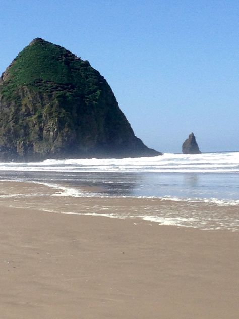 Visit Cannon Beach Oregon And Get A View Of Famous Haystack Rock Not Too Far From Is The Little Beachtown Seaside Which Also Great To