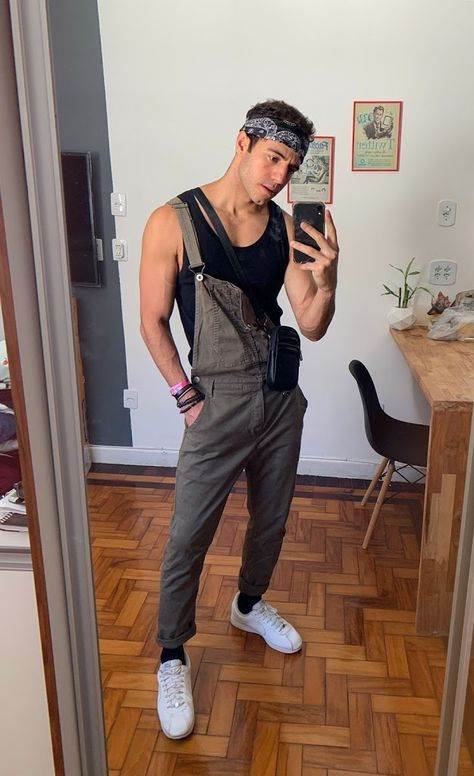 Gay Outfit, Overalls Outfit, Dungarees, Queer Fashion, Mens Fashion, Fashion Tips, Male Hipster Fashion, Teen Guy Fashion, Rave Outfits Men