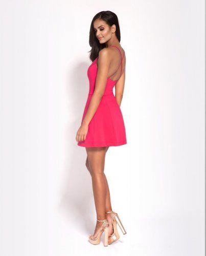 Sukienka O Dlugosci Mini W Kolorze Malinowym Sukienka Ma Mocno Wyciety Dekolt W Literke V Fashion Insta Fashion Womens Fashion