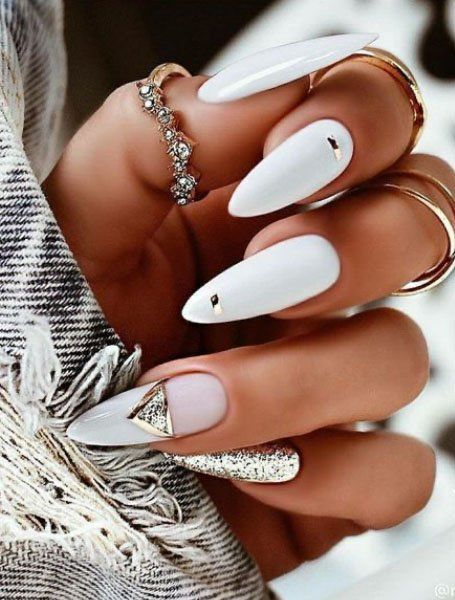 White Acrylic Nails, Almond Acrylic Nails, Best Acrylic Nails, Summer Acrylic Nails, Almond Nail Art, White Manicure, White Nail Art, Black Nail, Marble Nails