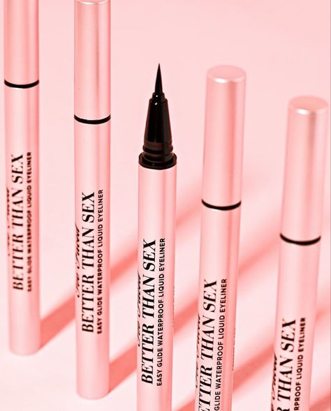 This cutting-edge liquid eyeliner is the easiest you'll ever use, created to produce a sharp, fluid, smudge-proof line, every time! Makeup Items, Makeup Brands, Makeup Stuff, Korean Makeup Products, Beauty Products, Makeup Prices, Makeup Package, Makeup Supplies, Alternative Makeup