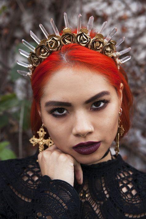 Handmade one of a kind crystal quartz crown. Diy Crystal Crown, Crown Aesthetic, Twist Cornrows, Poetic Justice Braids, Instagram Hairstyles, Dark Red Hair, Side Braid Hairstyles, Diy Crown, Small Braids