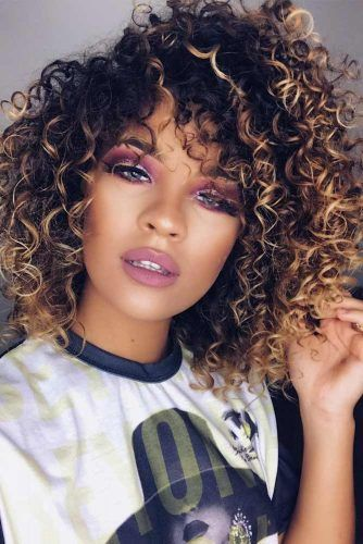 18 Medium Length Hairstyles For Thick Hair Colored Curly Hair Curly Hair Styles Curly Hair Styles Naturally