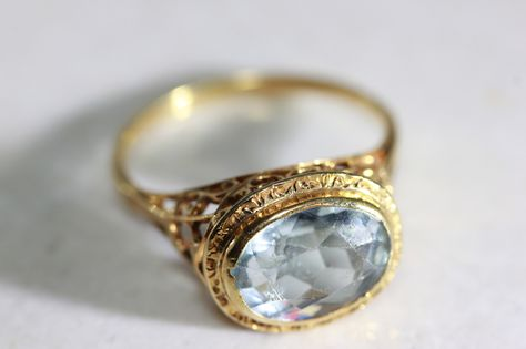 Metal Type: Yellow Gold Primary Stone: Natural Aquamarine AAA Primary Stone Weight: ct Total Ring Weight: Grams Ring Face: 11 MM Ring Size: 6 Re sizable: Yes For Free Era: Art Deco