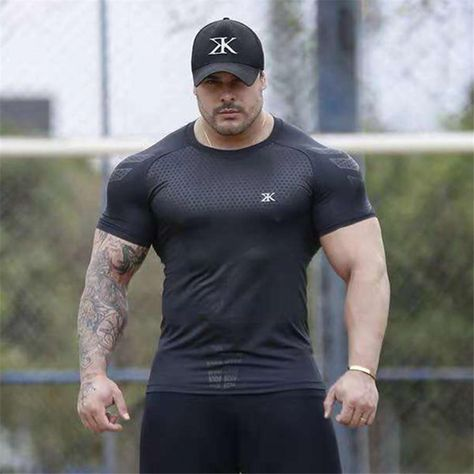 New Men Compression T-shirt Jogger Sporting Skinny Tee Shirt Male Gyms Fitness Bodybuilding Workout Black Tops Crossfit Clothing Crossfit Clothes, Gym Clothing, Bodybuilding T Shirts, Gym Outfit Men, Compression T Shirt, Body Building Men, Mens Fitness, Gym Men, Sexy