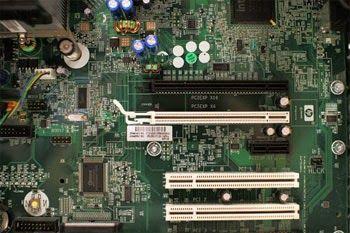 المكونات المادية مقابل البرمجيات الهاردوير مقابل السوفتوير قبل أن نتحدث عن أنواع مختلفة من أجهزة الكمبيوتر دعون Computer Basics Computer Case Computer Build