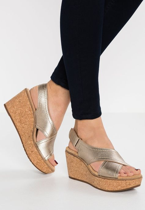 e7e4f8a376c CLARKS AISLEY TULIP - Wedge sandals gold Women Shoes