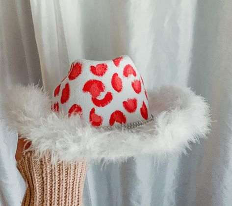 Cowgirl Halloween Costume, Halloween Outfits, Halloween Costumes, Halloween 2020, Halloween Ideas, Felt Cowboy Hats, Cowgirl Party, Cowboy Theme, Diy Hat