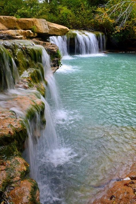 10 Amazing Places in West Virginia To Take Photographs These 10 beautiful places are a photographer's dream! Vacation Places, Places To Travel, West Virginia Vacation, West Virginia Hiking, Virginia Beach, West Virginia Waterfalls, Amazing Places, Beautiful Places, West Va