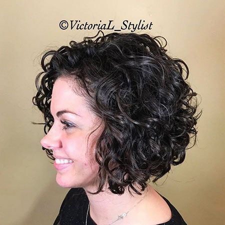27 Short Curly Hairstyles For Women 2018 2019 Curlyhair Curly Hairstyles Haircut Curly Hair Photos Short Curly Hairstyles For Women Curly Bob Hairstyles