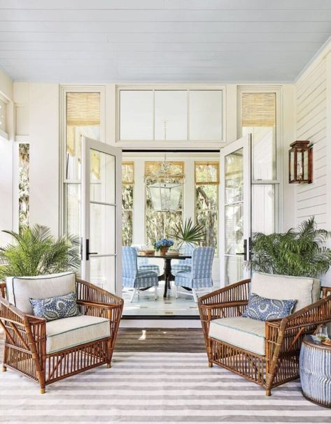 This blue and white porch with shiplap walls and a painted sky blue ceiling is so dreamy and absolutely enormous! Full details, more photos and paint colors via the link! Southern Style Homes, Southern Living Homes, Country Homes, Southern Charm, Southern Style Decor, Southern Belle, Southern Farmhouse, Southern Porches, Country Porches