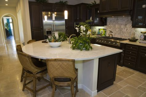 35 Captivating Kitchens With Dining Tables Pictures Curved Kitchen Island Curved Kitchen Round Kitchen Island